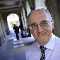 "Vice-Chancellor speaks of ""huge advantages"" of bilingualism"