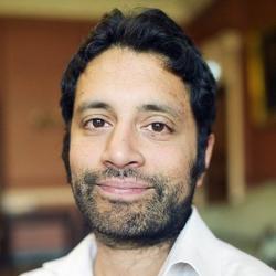 Dr Arif  Ahmed