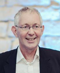Dr Neil  Jones