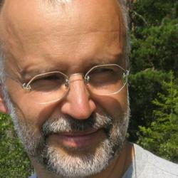 Professor Juhani  Klemola