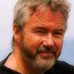 Dr Andrew  Winnard
